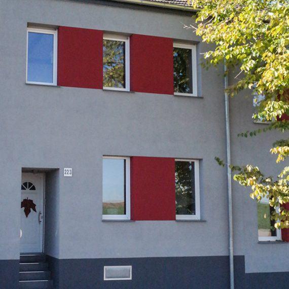 Fassaden Renovierung mit Wärmedämmung Frontansicht