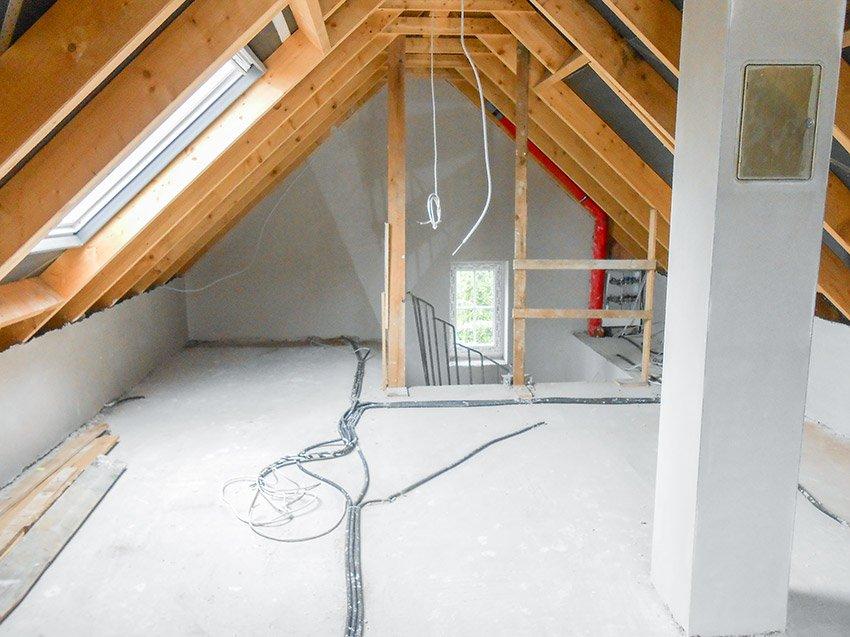 Gipsputz auf dem Dachboden nacher