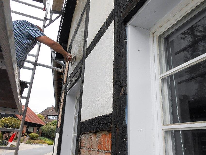 Referenz Sanierung Fachwerkhaus Weber bei der Arbeit